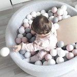"""La piscine à balles pour bébé est devenue un jeu """"must-have""""."""
