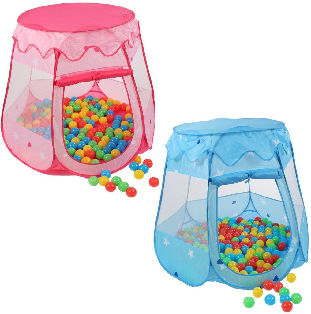 La tente de jeu Kidiku a également 100 balles de piscine de fournies.