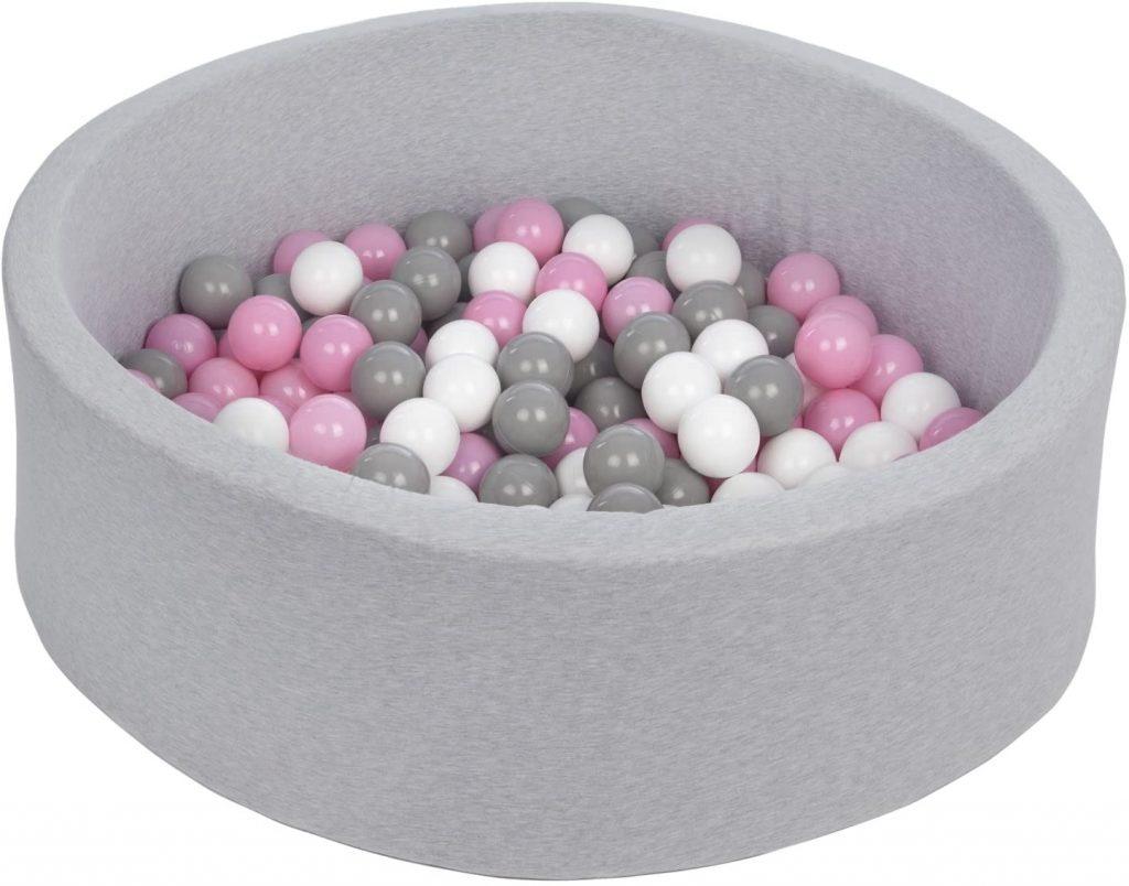 La piscine à boules Velinda se compose de 150 balles.