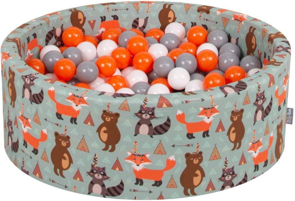 Cette piscine pour bébé Kiddymoon a des motifs avec des renards sur sa housse.