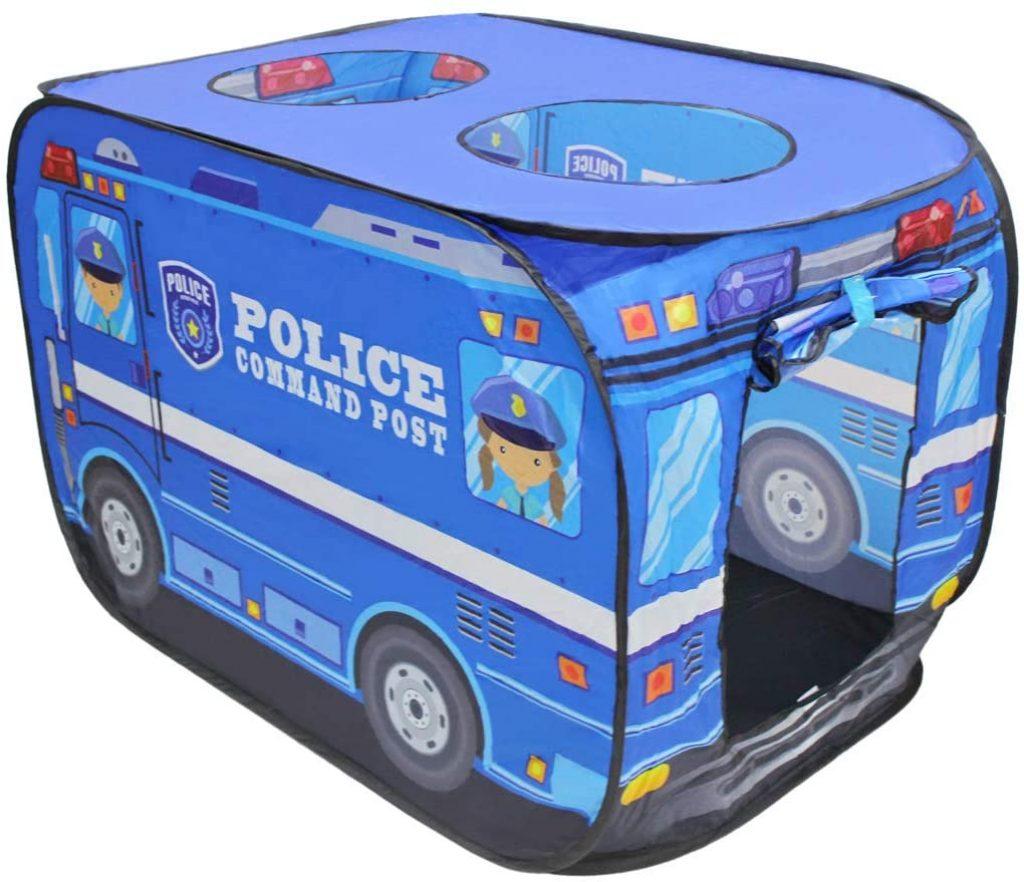 Cette tente à balles représente une voiture de police.